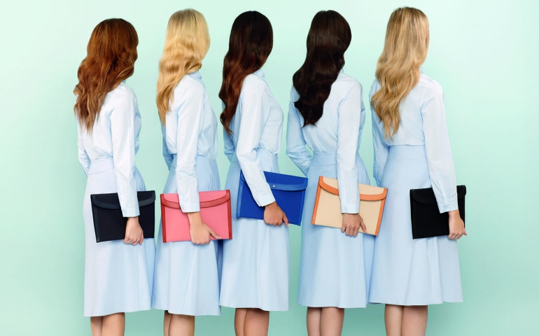 Source:http://www.businessoffashion.com/community/companies/mansur-gavriel/portfolio/album/54114/bof_54f48968a33df