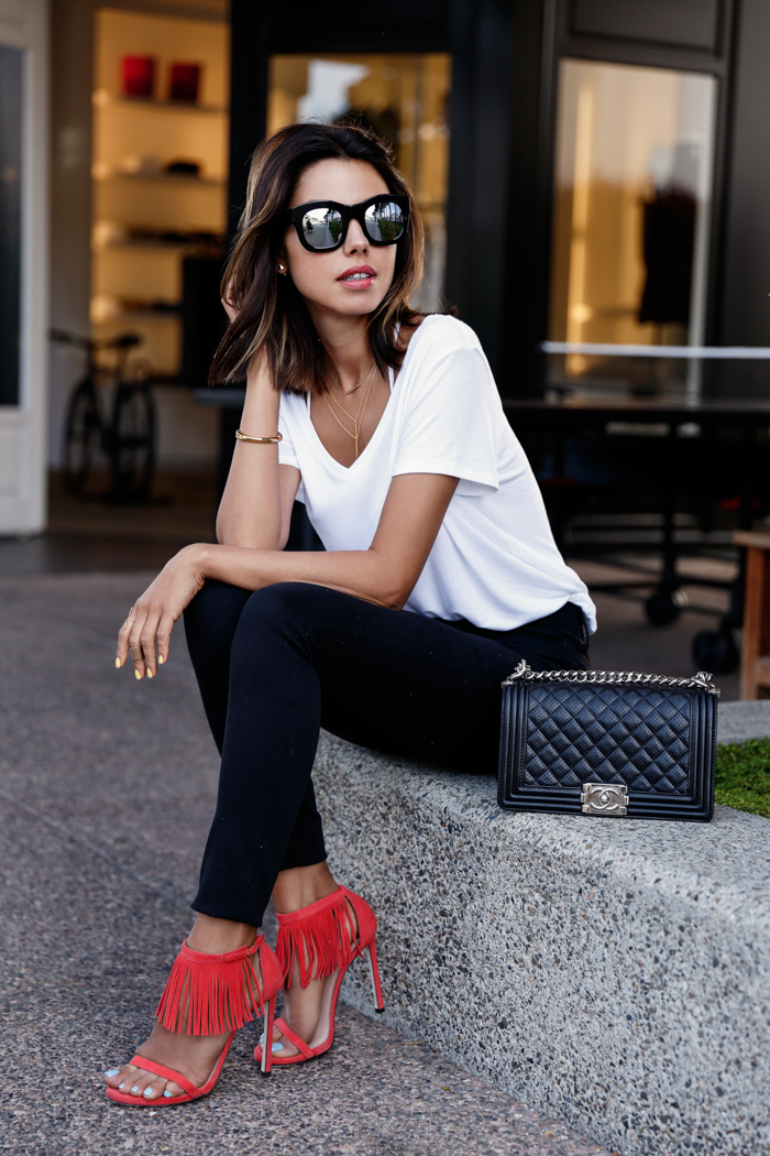 Source:http://vivaluxury.blogspot.com/search?updated-max=2015-07-18T05:32:00-07:00&max-results=7