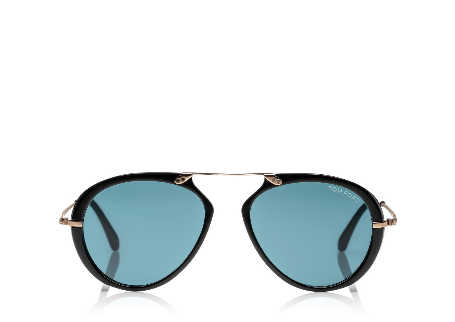 Source:http://www.tomford.com/aaron-sunglasses/FT0473.html?dwvar_FT0473_color=01V#start=1